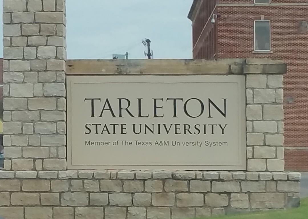 tarleton-sign
